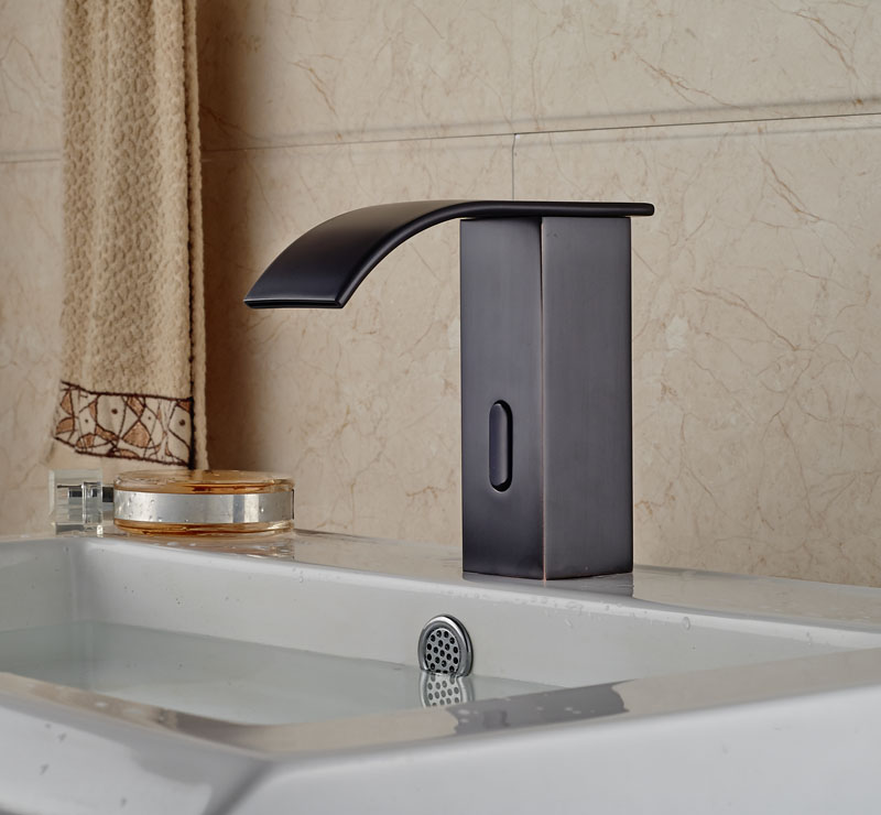 Chichester Touchless Oil Rubbed Bronze Bathroom Sink Faucet With Motion  Sensor