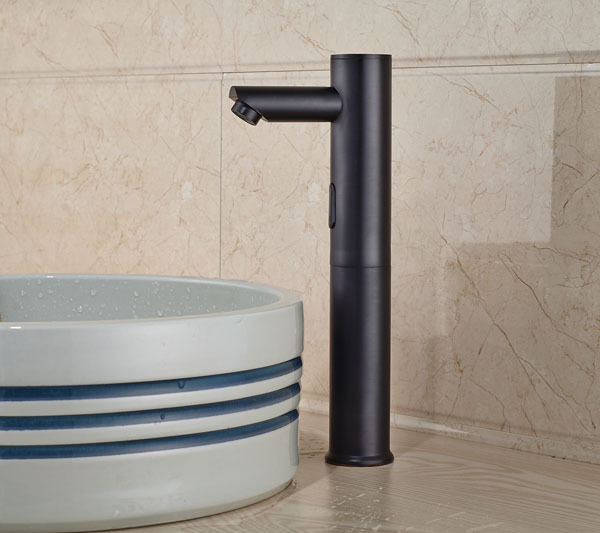 wadsworth touchless oil rubbed bronze bathroom sink faucet with motion sensor funitic. Black Bedroom Furniture Sets. Home Design Ideas